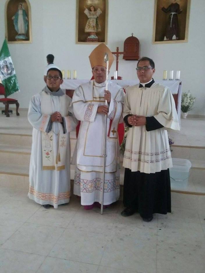 Monseñor Guillermo Pacheco, Obispo Primado de la ICAC en su viaje a Perú.